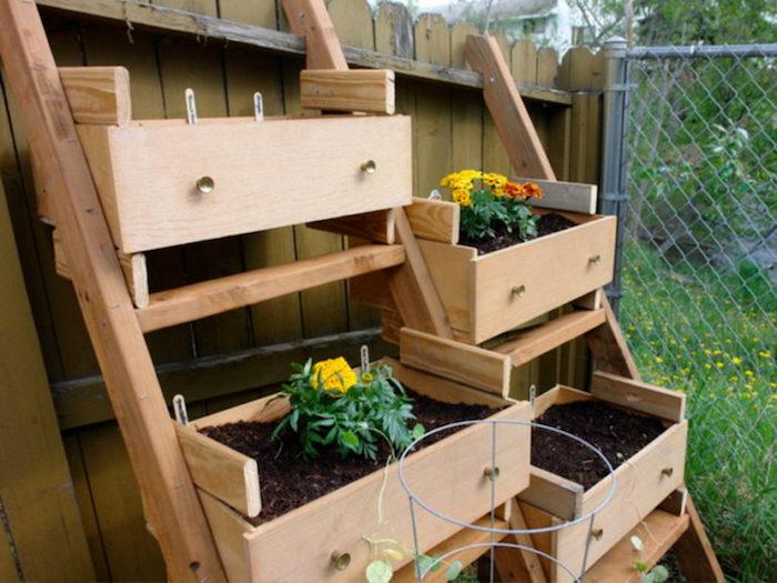 jardiniere avec palette échelle en bois potager déco