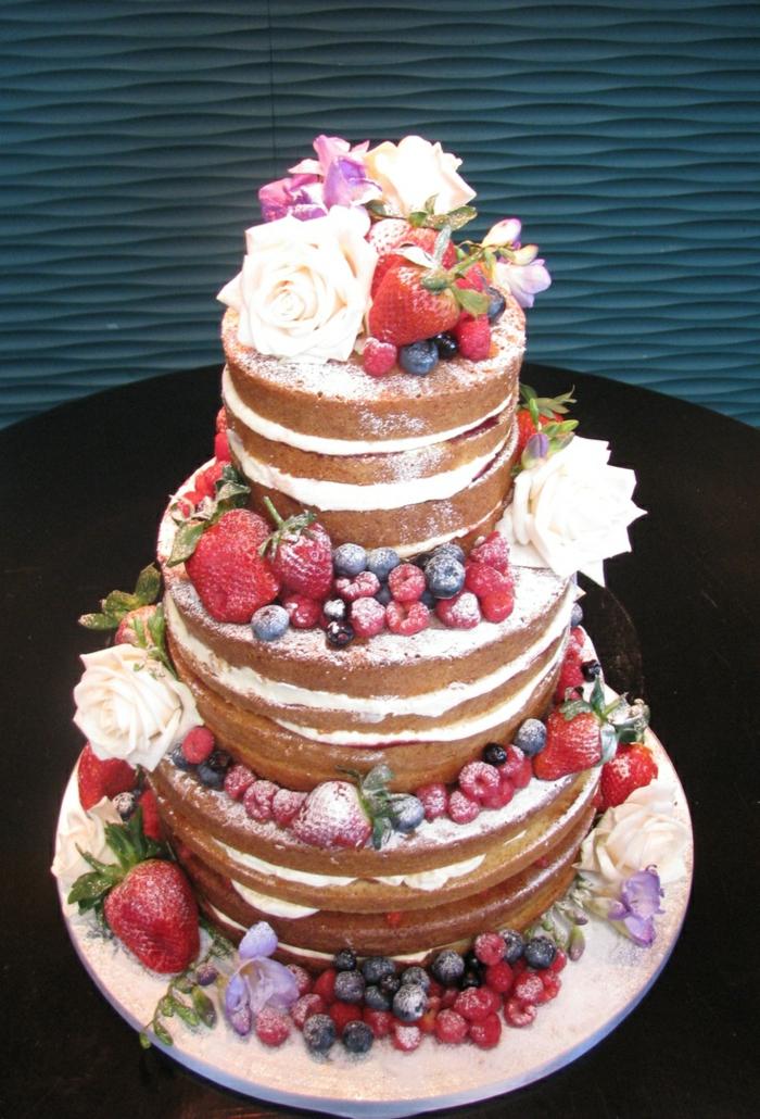 Tutti frutti gateau anniversaire fruit cool idée dessert attirant