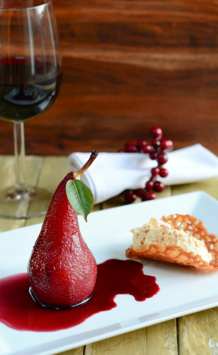 Presentation desserts assiette dessert avec chocolat poivron