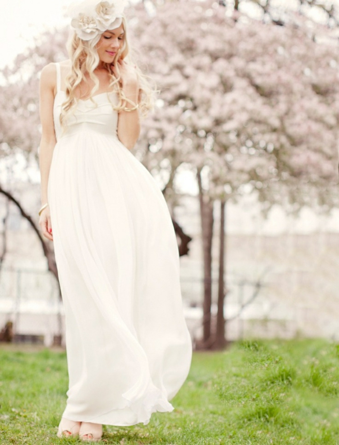 robe empire longue idéale pour un mariage à la plage, robe légère à coupe simple