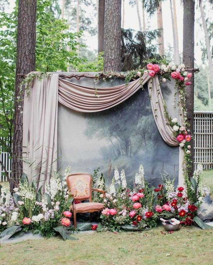 toile de fond imprimé pour un fond photobooth original, jolie décoration florale