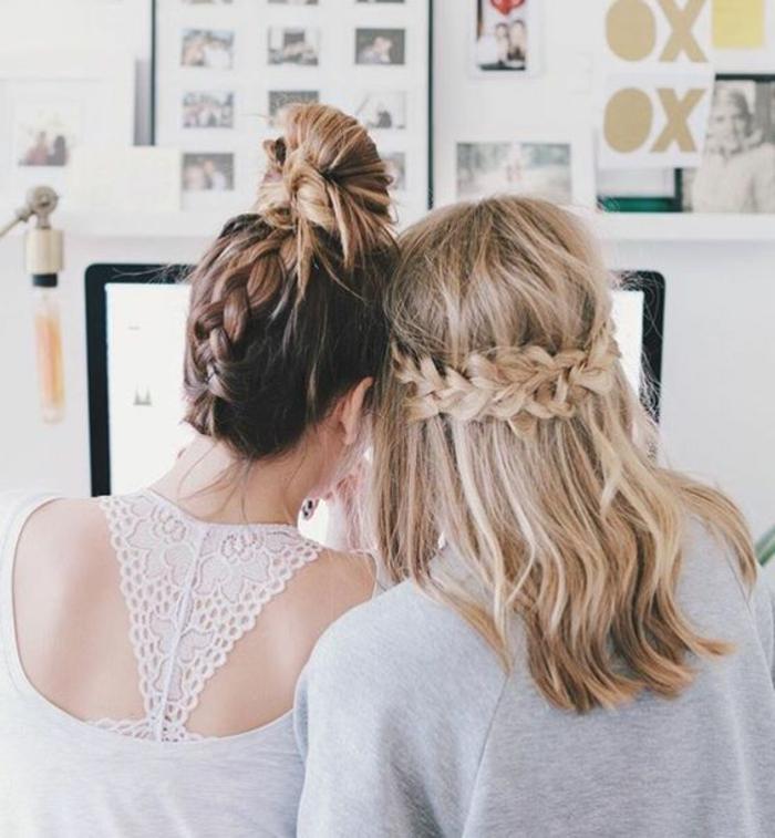 photo meilleures amies avec tresses, modèle tresse en cascade et tresse chignon, femme blonde et femme balayage blond