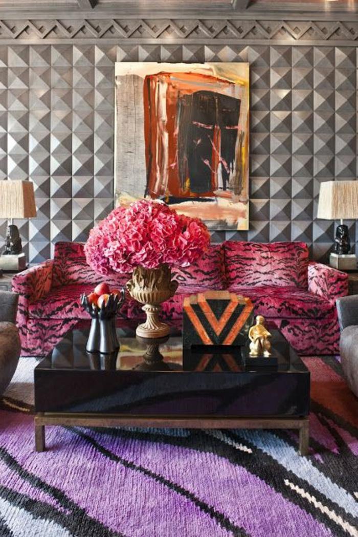 meubles art deco, sofa aux motifs animaux, peinture abstraite, table rectagulaire