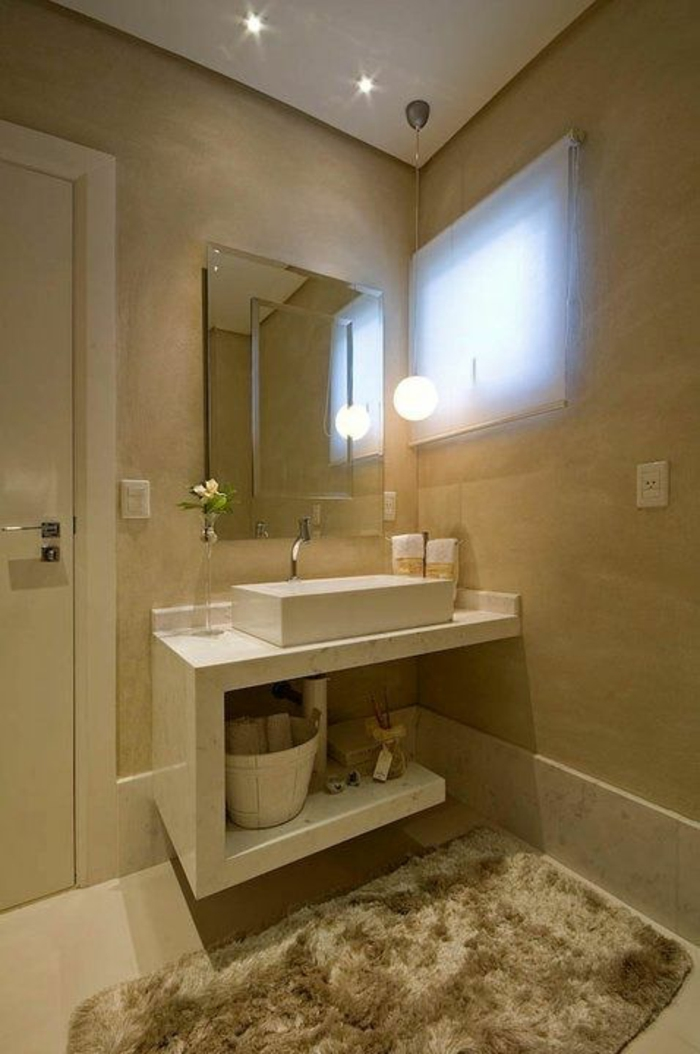 miroirs salle de bain lumineux avec zone lavabo blanche effet géométrique