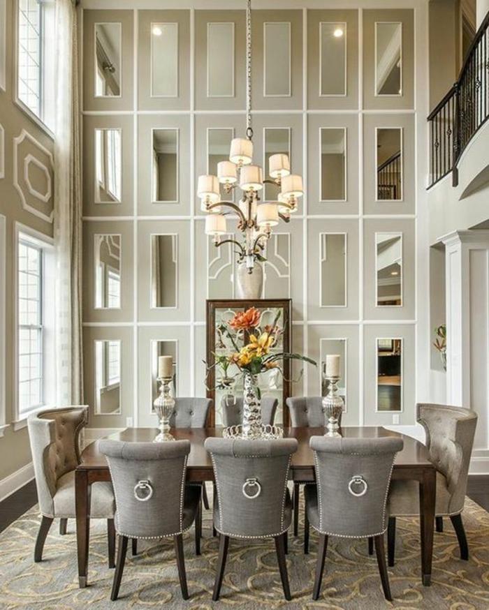 mobilier art déco, grande salle à manger, table et chaises grises, plafonnier