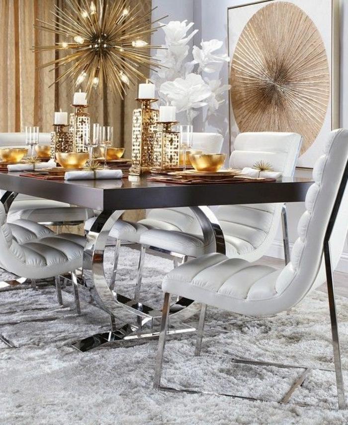 mobilier art déco, tapis gris, chaises grisesn table noire rectangulaire