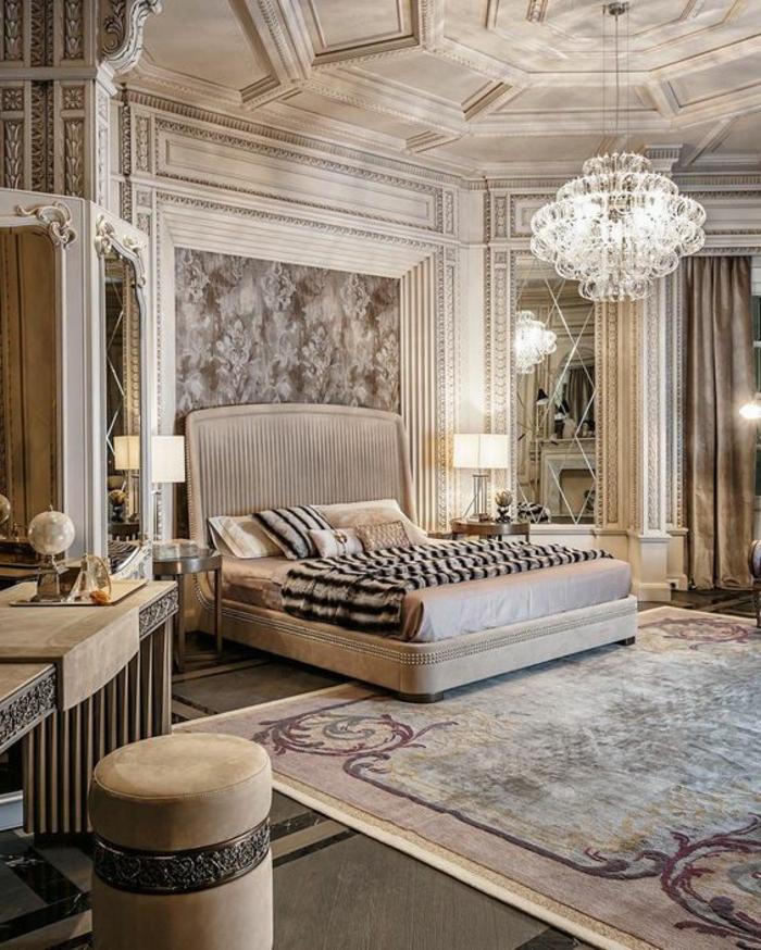 mobilier art déco, chambre à coucher taupe clair, plafonnier splendide, miroirs baroques