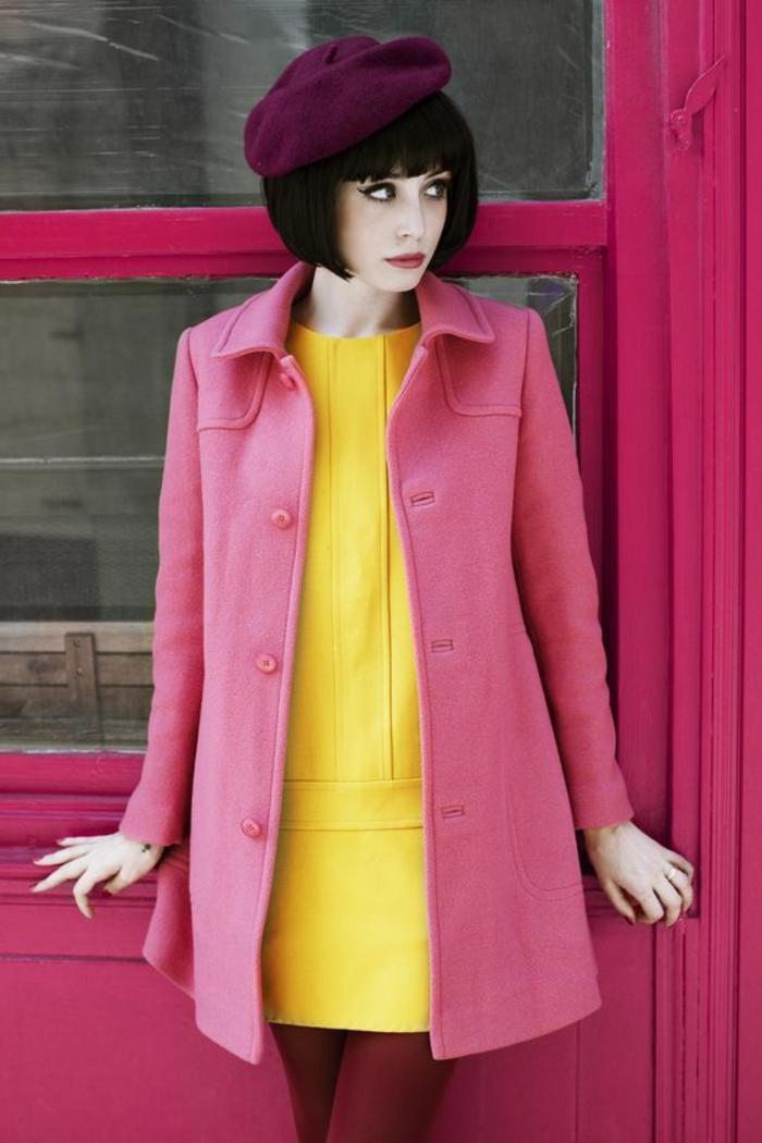 mode anne 60, bonnet mauve, tailleur rose, robe trapèze jaune
