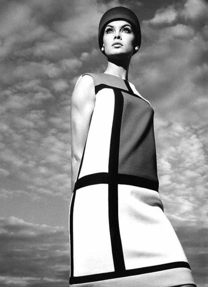 mode anne 60, robe trapèze print géométrique, bonnet stylé