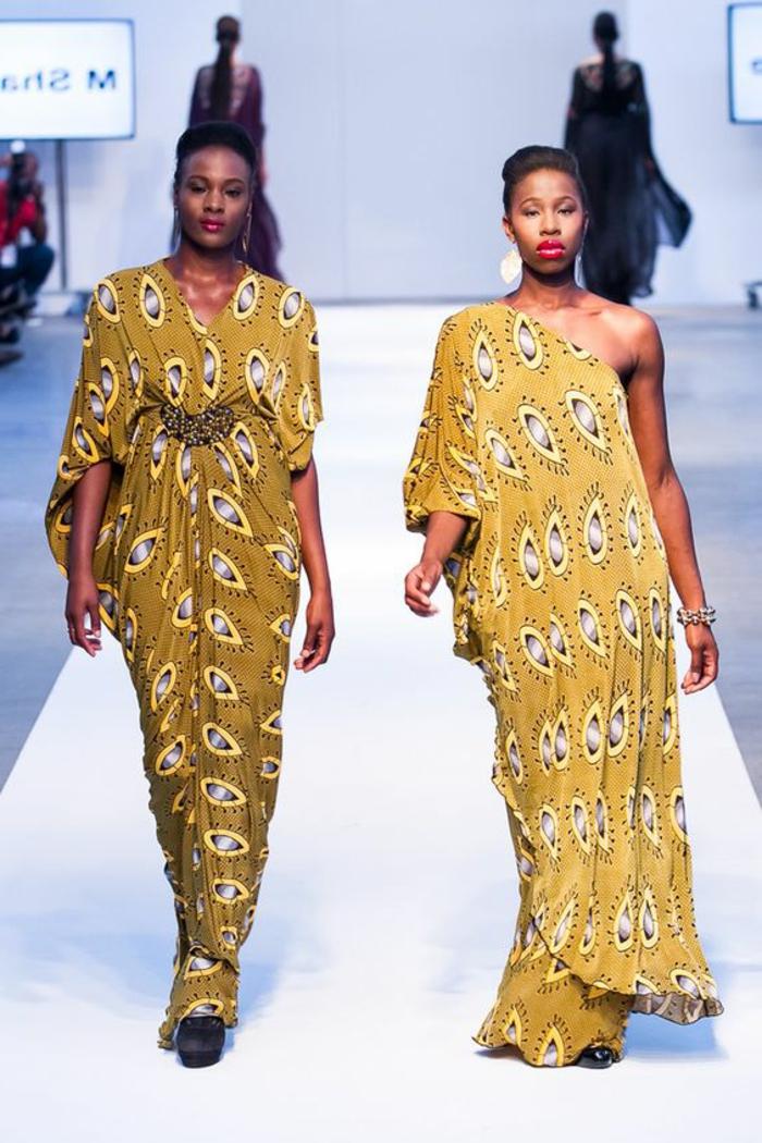 modele robe pagne, saris africains à un défilé de mode africaine
