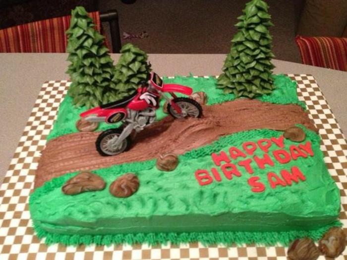 Gateau anniversaire adulte original motor sport