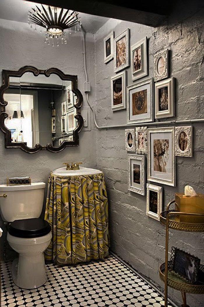 décorer ses toilettes style baroque mur argent lustre