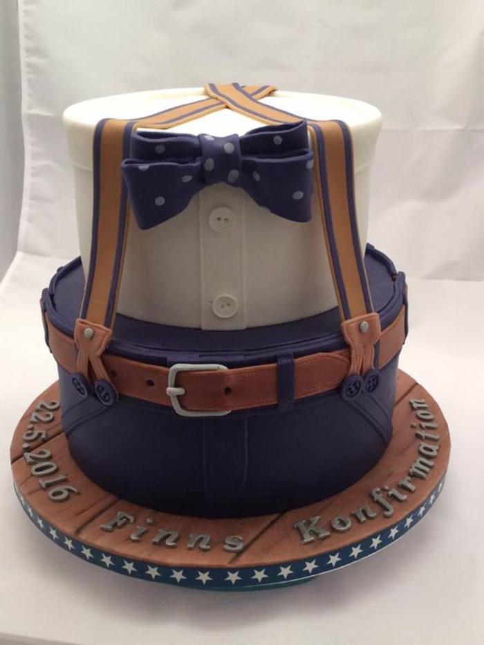 Beau gateau d anniversaire gâteau pour anniversaire costume doctor who