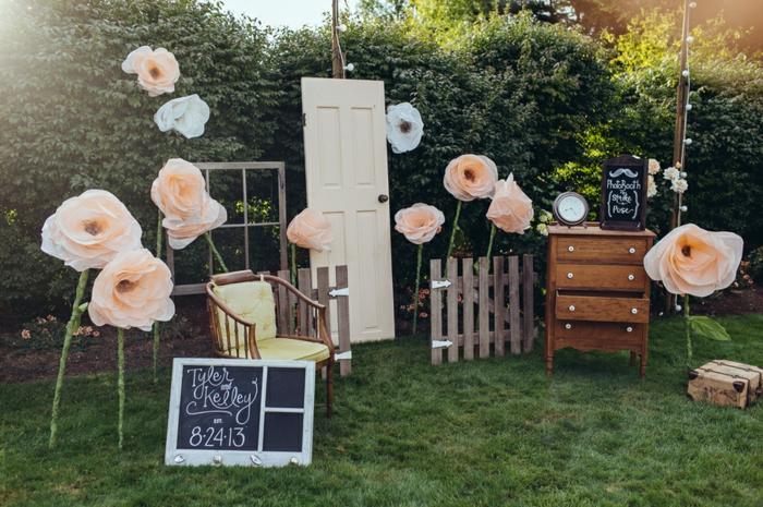 un photobooth d'extérieur excentrique, réaliser un photomaton mariage soi-même
