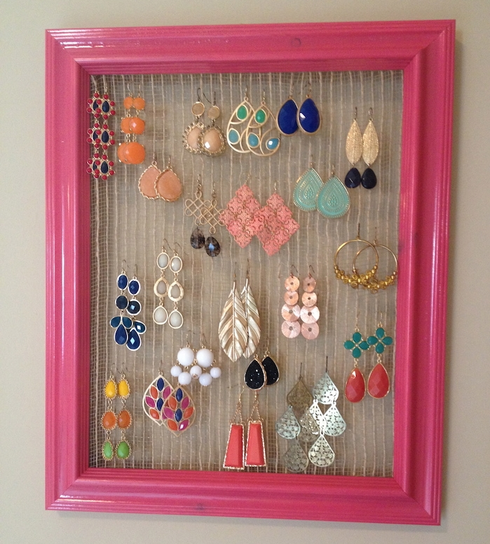 fabriquer un porte bijoux mural avec cadre photo en bois