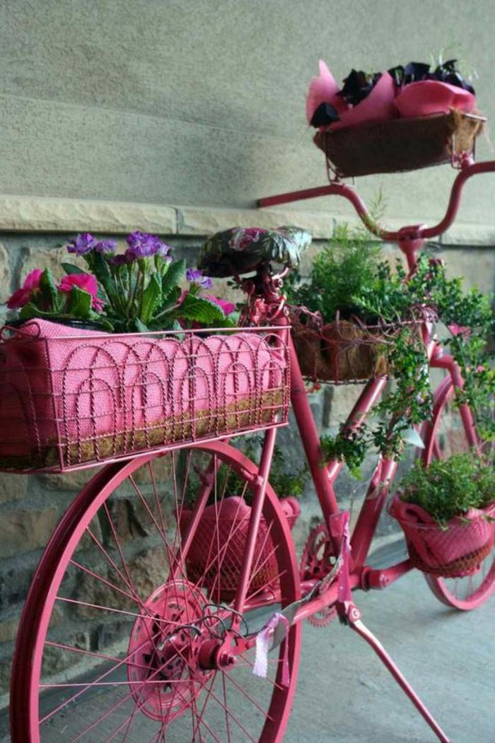 porte plante vintage vélo recyclé rose pour le balcon et pour le jardin