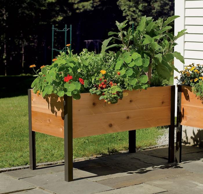 jardinière en bois sur pied pour potager jardin