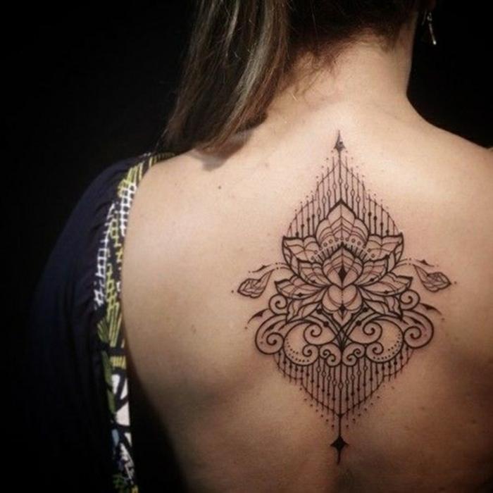 Quel tatouage fleur de frangipanier tatoo ephemere lotus geometrique