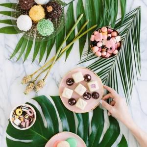 Comment présenter un dessert individuel dans l'assiette