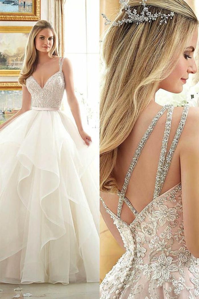 robe de mariée de couleur, robe aux ornements floraux, une diadème subtile