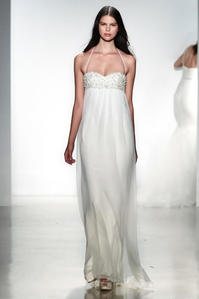 robe de mariée style empire ultra légère à bustier brodé de cristaux
