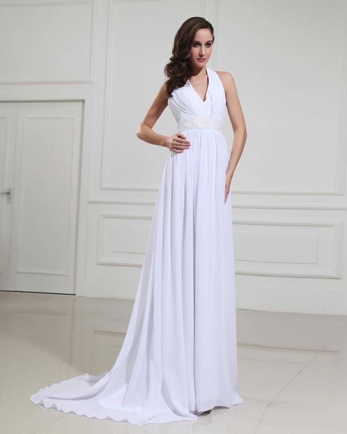 robe empire longue aux lignes épurées, silhouette allongée, robe mariée ceinturée à encolure en v