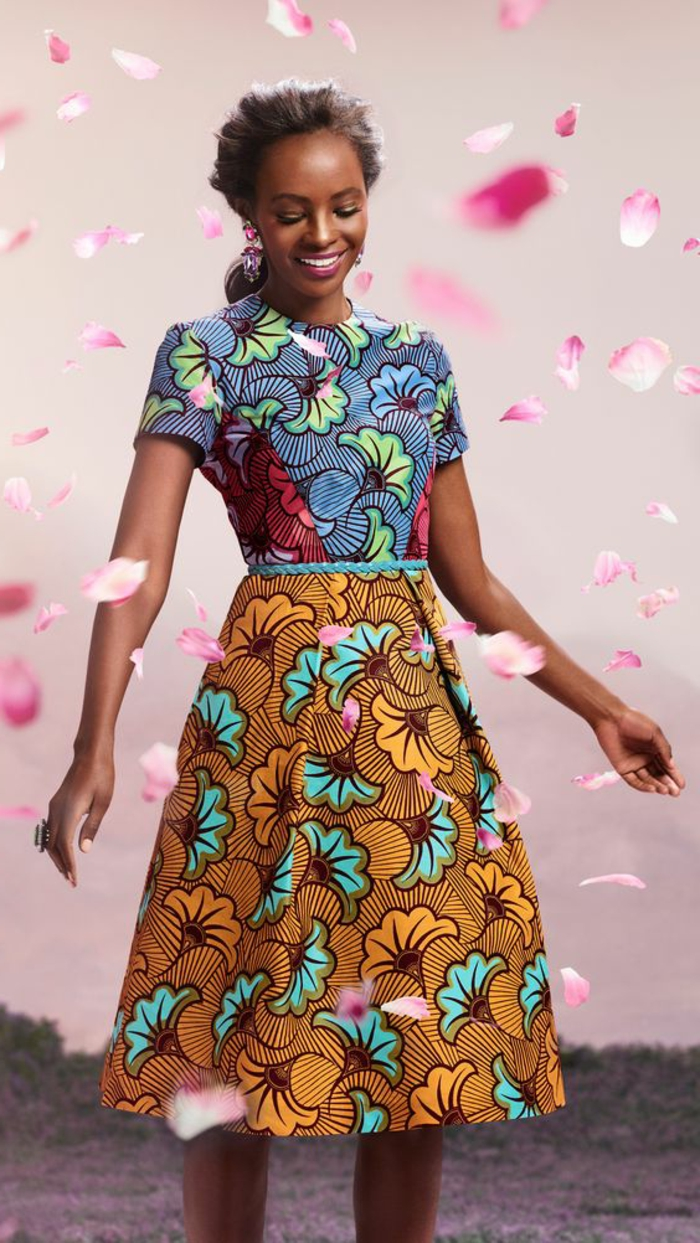 robe wax africain, robe trapèze florale, manches courtes