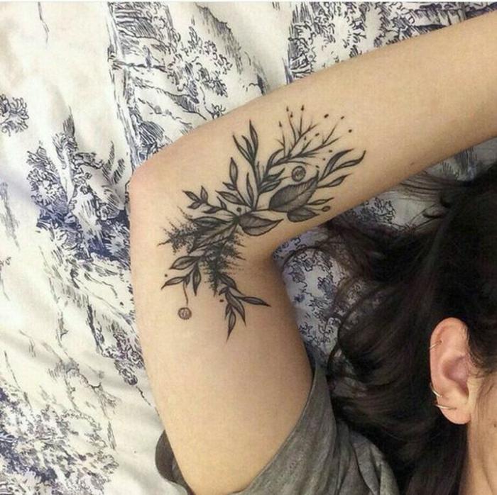Extrêmement ▷1001+ idées de tatouage de fleur et quelle est sa signification ML17