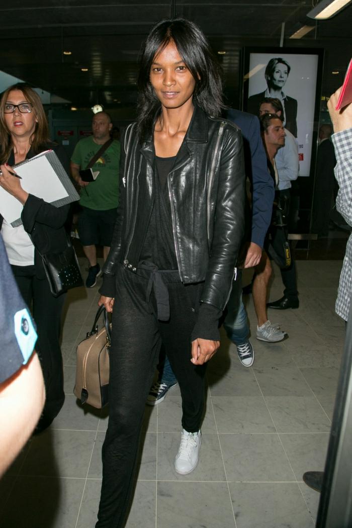 Voyage en avion comment bien s habiller ado veste en cuir noir