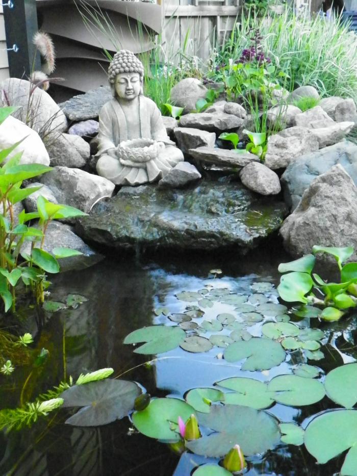 objets decoration jardin, bassin d'eau, rochers dans l'eau, motif cascade, statue bouddha