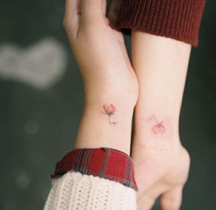 Adorable tatouage femme fleur tatoo signification miniature