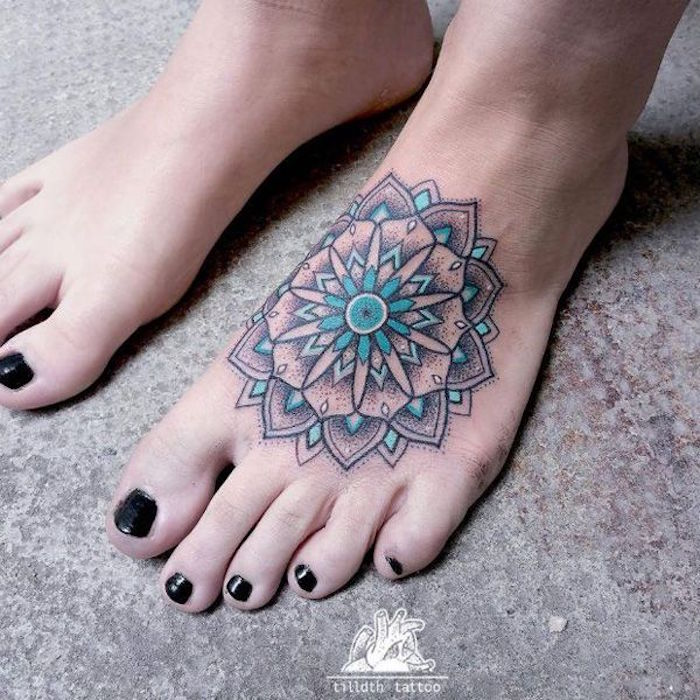 1001 id es tatouage mandala bien plus qu 39 un simple tattoo. Black Bedroom Furniture Sets. Home Design Ideas