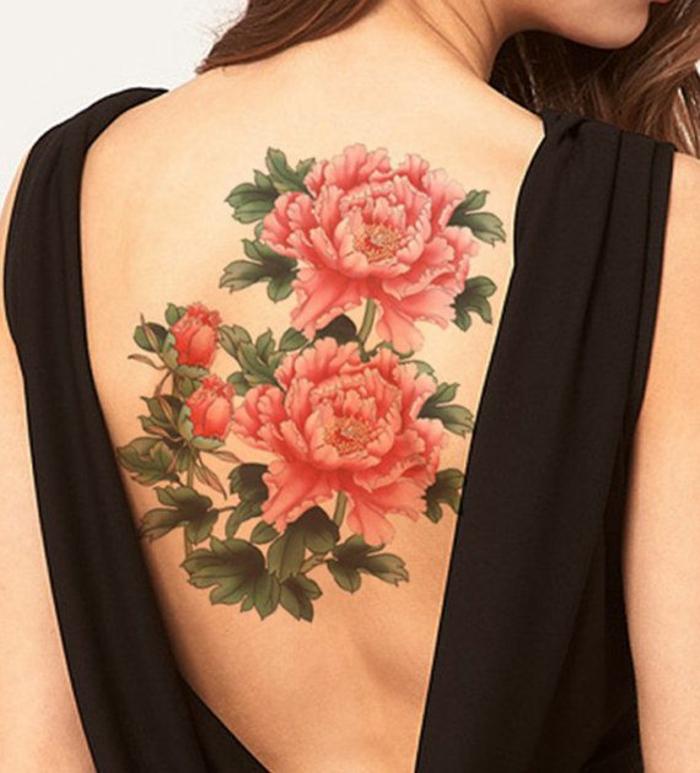 Formidable tatouage fleur epaule photo femme belle dos entier coloré