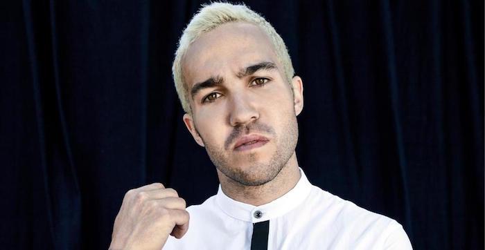 coloration blonde homme blond vénitien coupe cheveux court