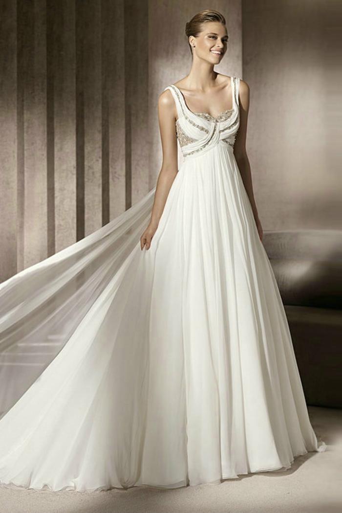 jolie robe empire longue à bretelles, décolleté croisé orné de sequins