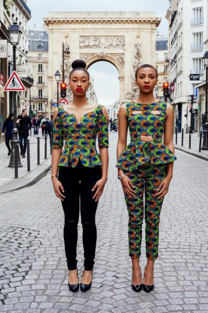 tenue africaine, deux vestes avec taille soulignée, pantalons crayons
