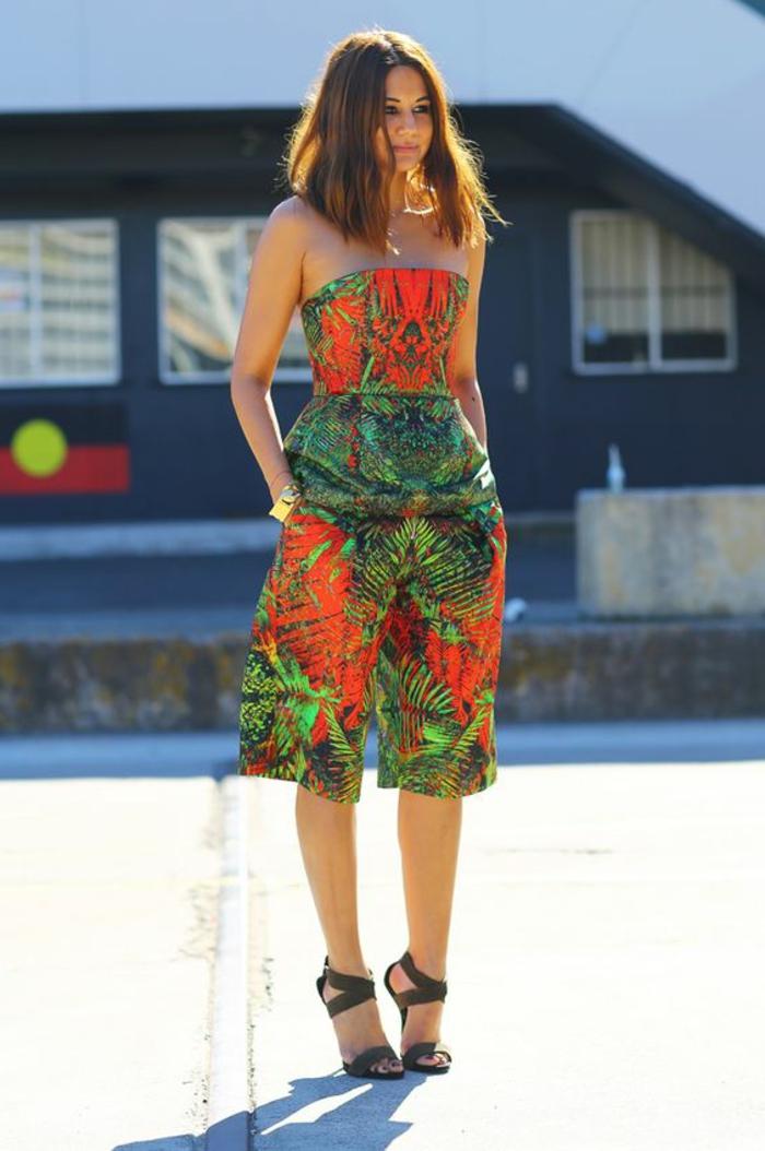 tenue africaine, prints-tropicaux-salopette-bustier-africaine