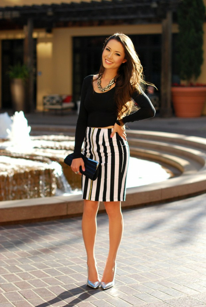 idée de style vestimentaire femme jupe crayon rayé