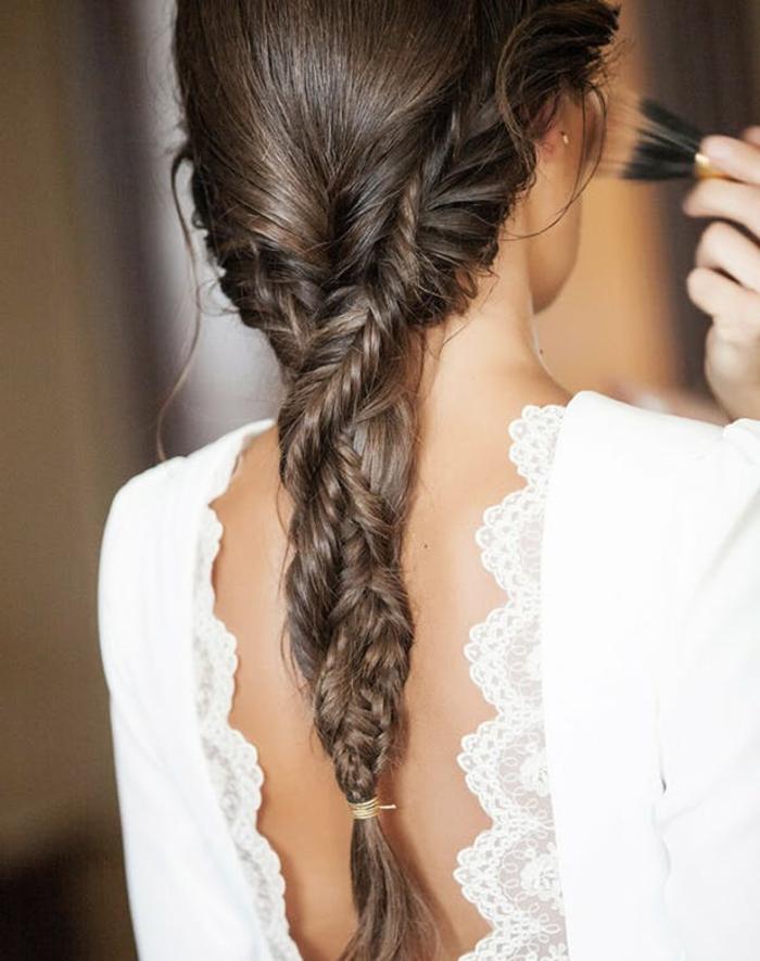 tresse épi de blé, deux tresses egyptiennes emmêlées, cheveux marron longs, coiffure mariage boheme champetre chic