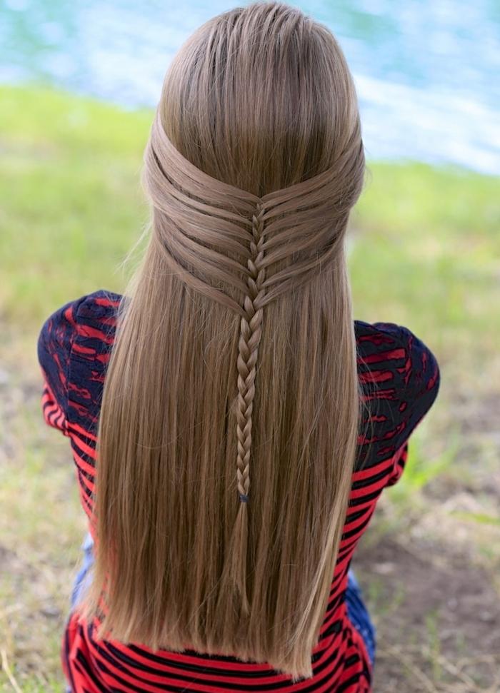 idée comment faire une tresse sirène, modèle de natte femme élégant, cheveux longs, lisses, blonde