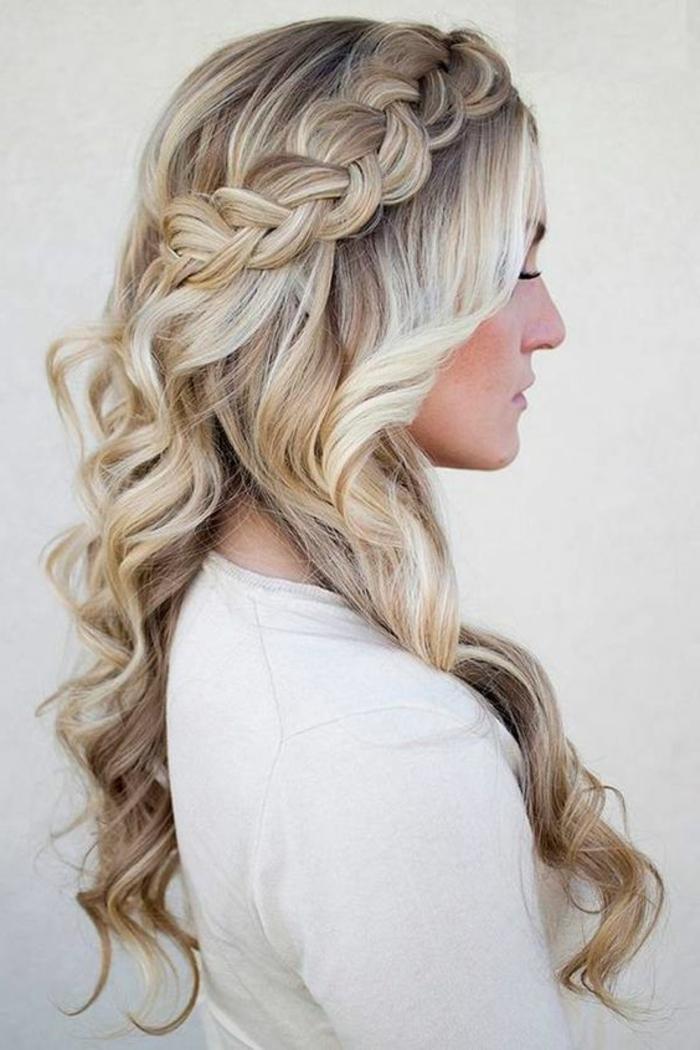 tresse collée, cheveux longs, ondulations romantiques