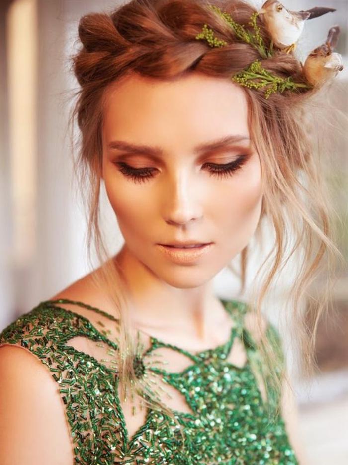 tresse collée, tresse couronne, jolie natte tressée accessoirisée avec deux oiseaux