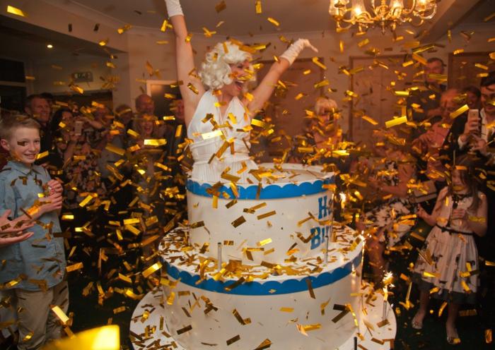 Idée gâteau anniversaire homme gateaux pour anniversaire femme qui saute du gateau