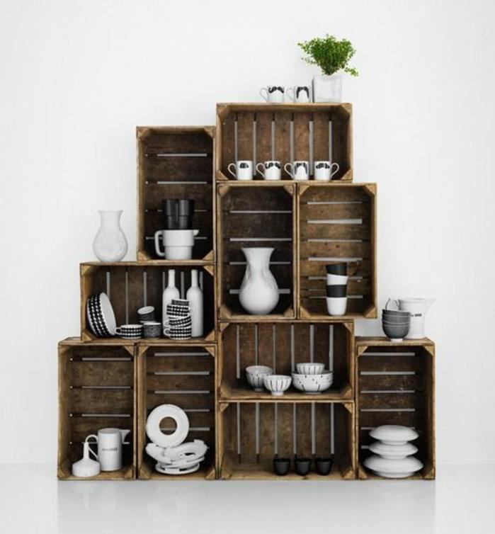 meuble en cagette bois brut, vaisselier, pieces de vaisselle blanches, décor tout en blanc, intérieur rustique elegant