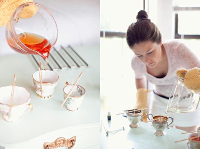 comment fabriquer des bougies, verser la cire dans des tasses à thé vintage, idee fete des meres, cadeau a faire soi meme