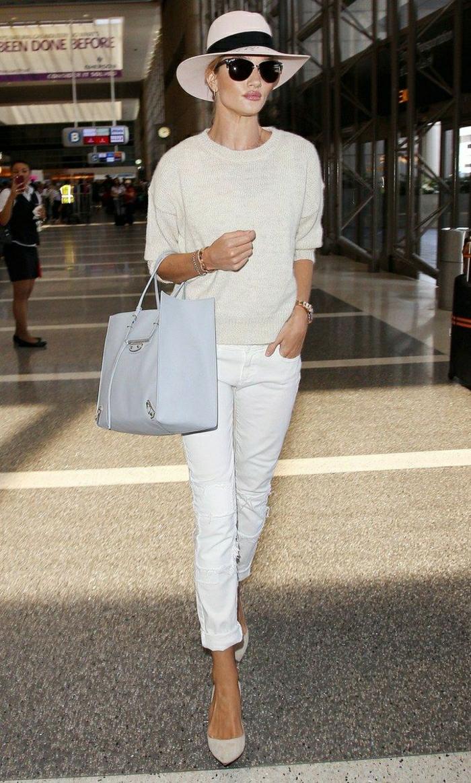 Jolie tenue cool et classe look pour l avion confort tout en blanc Rosie Huntington