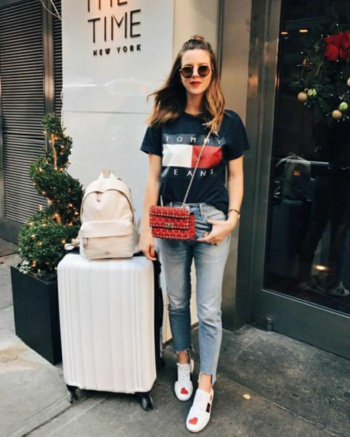 Tenue voyage avion tenue confortable idée femme Tommy jeans