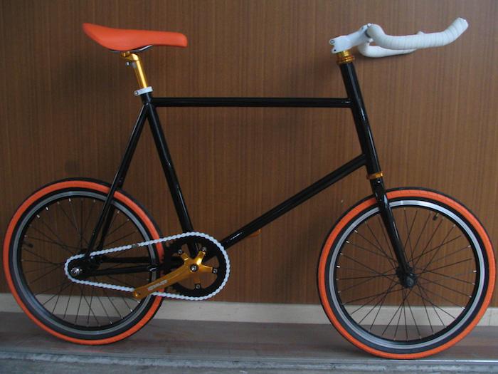 fixi velo hipster pignon fixe petites roues noir orange conversion