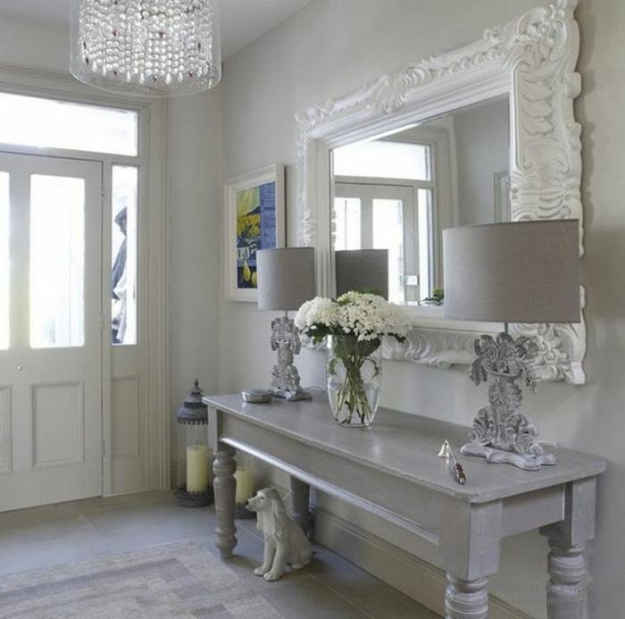 Deco Hall Entree Dans Un Esprit Shabby Chic En Gris Avec U Grand Miroir Au  Cadre