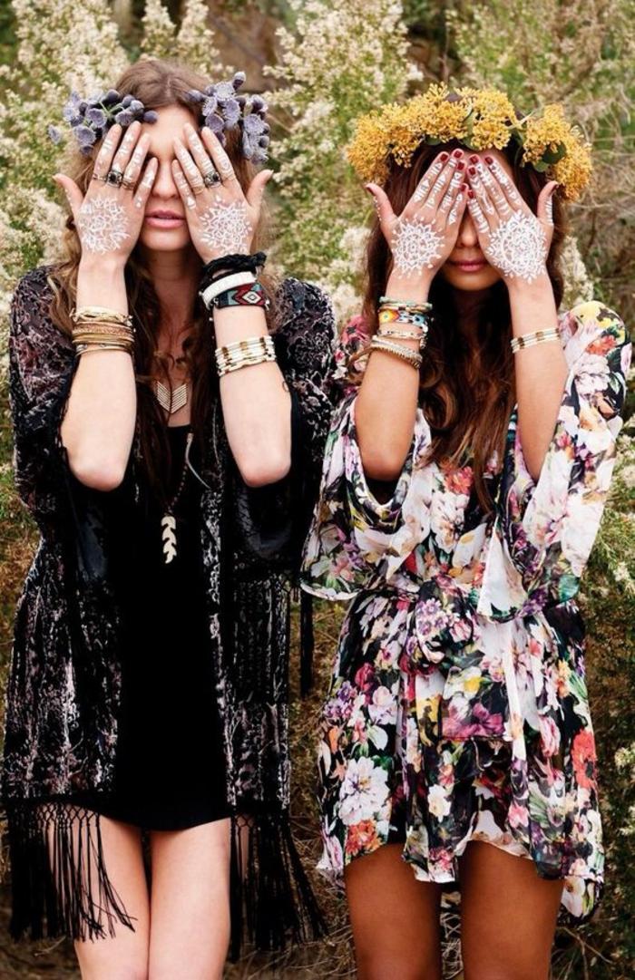 Deux amies belle photo mains henné tatouage blanche cool idée pour un look bohème stylée